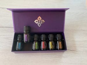 Do Terra emotional therapy kit with six essential oil blends